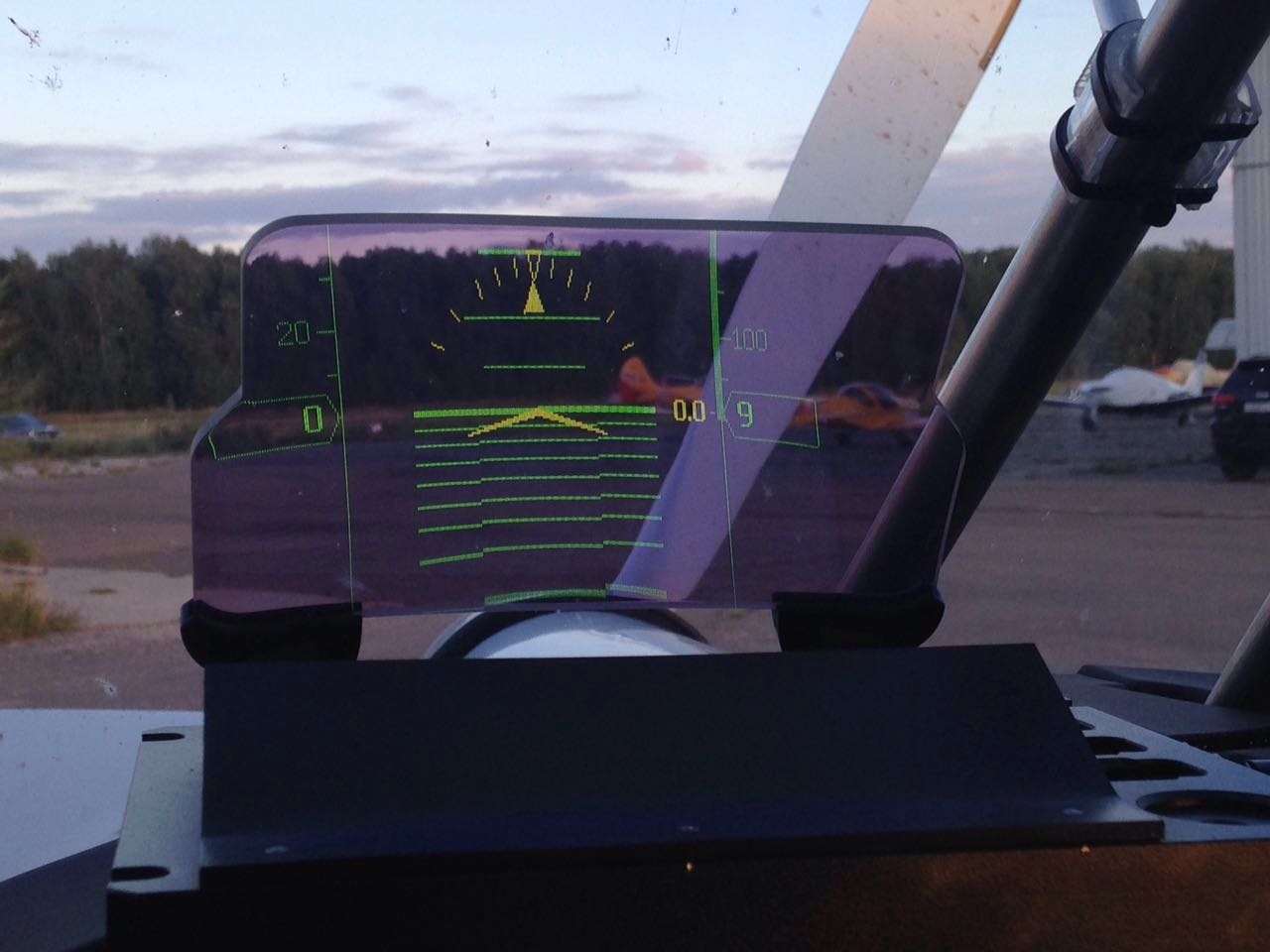 Head-Up Display pro Glance EFIS I